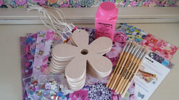 Decopatch Party Kit for 8 - Flowers