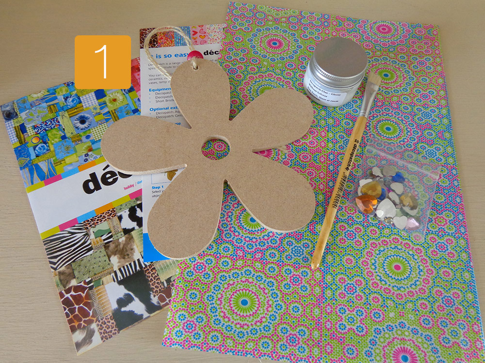 Decopatch Flower Kit by Crocodile Creations
