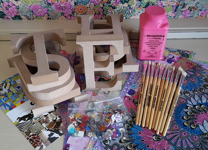 Decopatch Letter party kit for 10