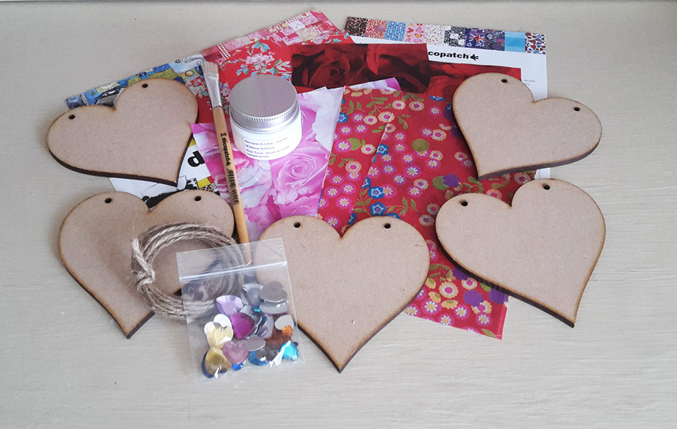 Decopatch Bunting Love Kit
