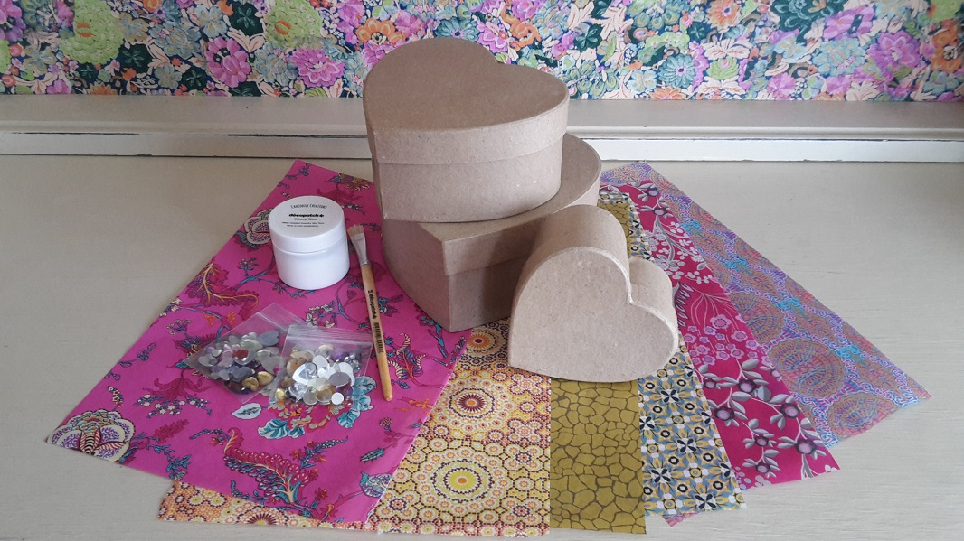 Decopatch Heart Box Kit